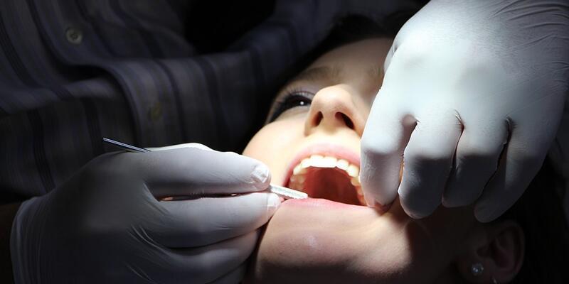 Salgın nedeniyle diş hekimine gitmekten korkmayın