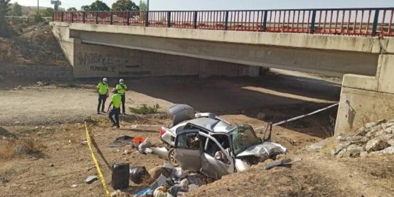 Son dakika. Köprüden düşen otomobilin sürücüsü öldü