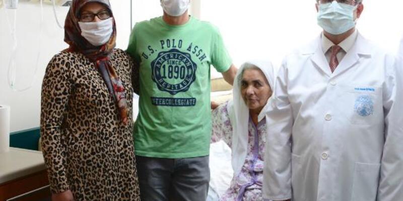 Son dakika.. 71 yaşındaki kadın 1 ay bitkisel hayatta kaldı, yaşama tutundu