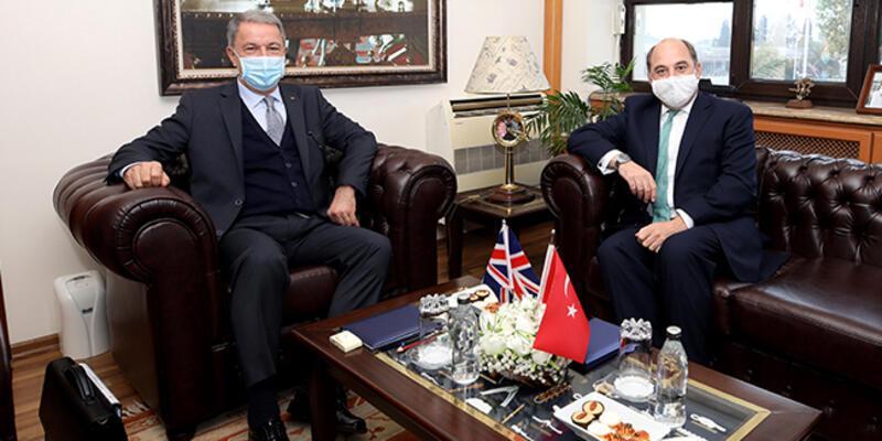Bakan Akar, İngiliz mevkidaşıyla görüştü