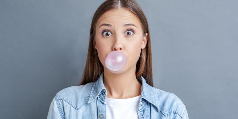 Şekersiz sakız çiğnemenin sağlığa 8 faydası