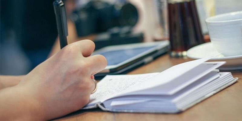 Elle yazmak, daha iyi öğrenmeyi ve hatırlamayı sağlıyor