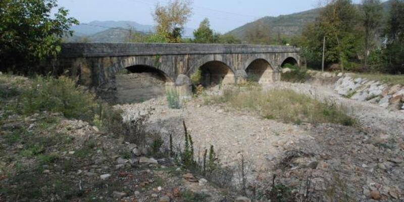 Tarihi köprü 116 yıldır ayakta