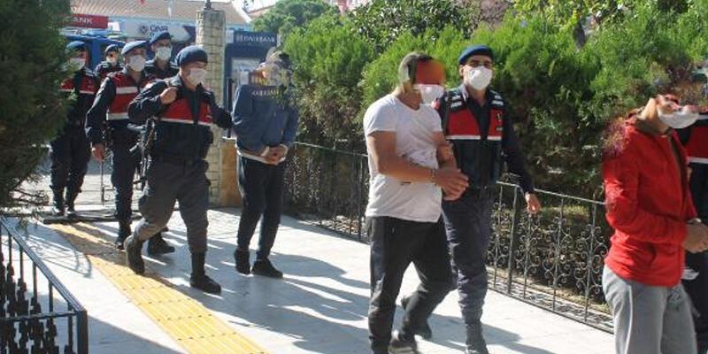 Balıkesir'de araçtan 150 gram esrar çıktı; 6 gözaltı
