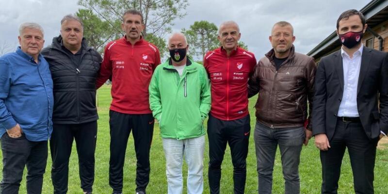 Oğuz Çetin, kadın futbol kulüp temsilcileri ile buluştu