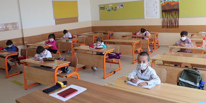 Bilim Kurulu Üyesi Kara: Okulda olmayan çocuklardapozitifleşme daha yüksek