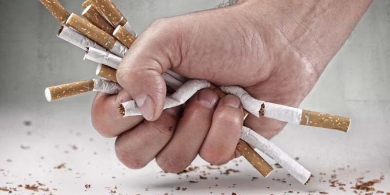 Sigara içmek gözleri bitiriyor
