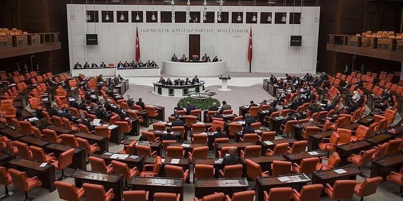 Son dakika... AK Parti, CHP, MHP ve İYİ Parti'den Macron'a ortak tepki