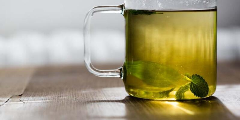 Defne Yaprağı Çayı Nasıl Yapılır? Defne Yaprağı Çayının Faydaları Nelerdir? Neye İyi Gelir?