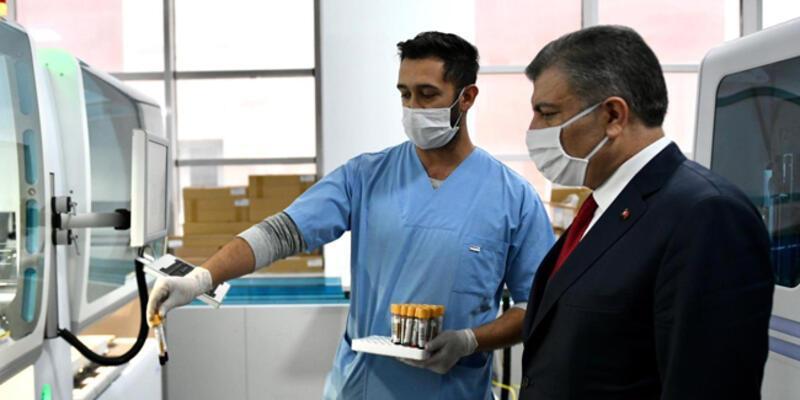 Sağlık Bakanı Koca, İstanbul'daki ziyaretlerini sürdürdü