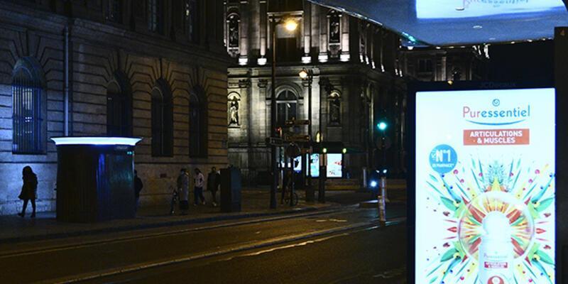 Fransa'da ülke genelinde sokağa çıkma kısıtlaması