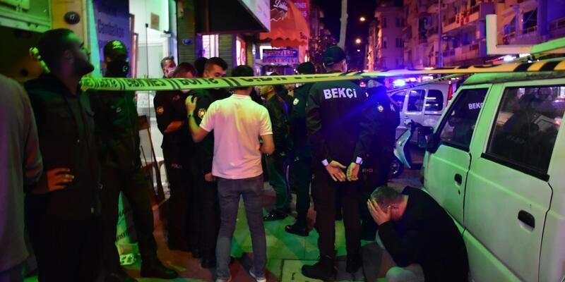 İzmir'de silahlı saldırıya uğrayan kişi hayatını kaybetti