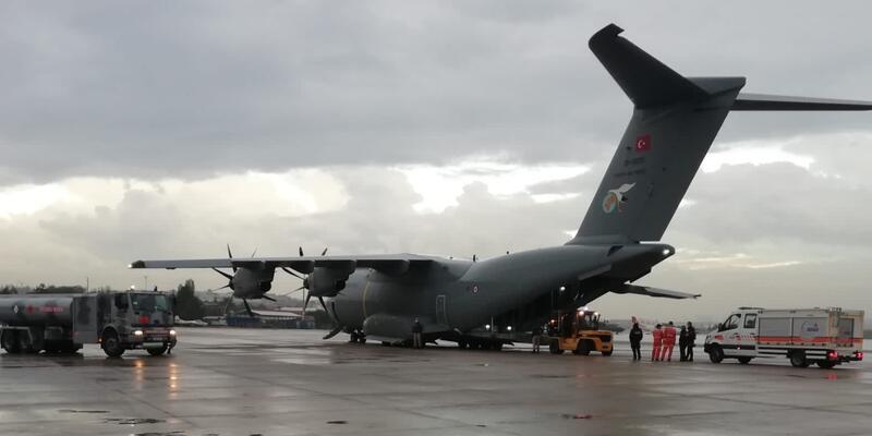 TSK'ye ait uçak AFAD ve jandarma ekiplerini bölgeye ulaştırmak için hareket etti