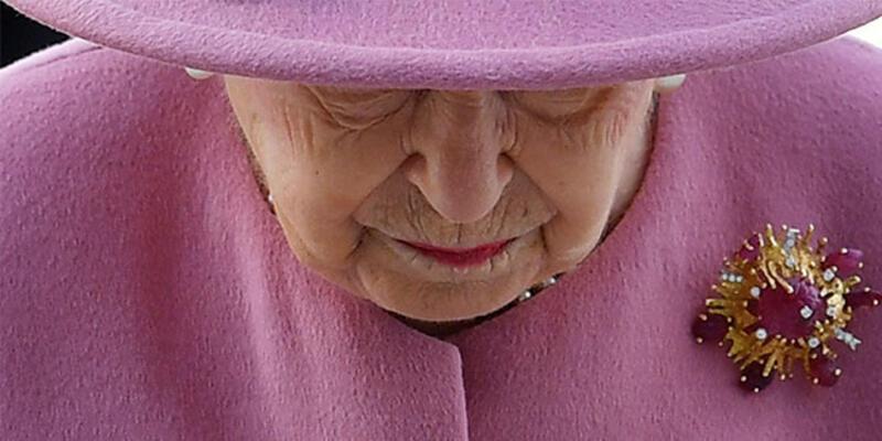 İngiltere bu iddiayı konuşuyor: Kraliçe Elizabeth tahttan inecek