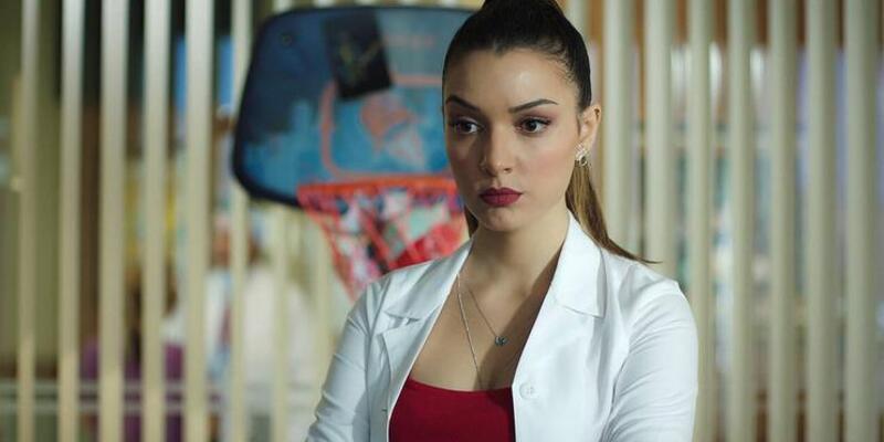 Hekimoğlu Zeynep gerçekte kimdir? Damla Colbay instagram, sevgilisi ve boyu hakkında bilgiler!
