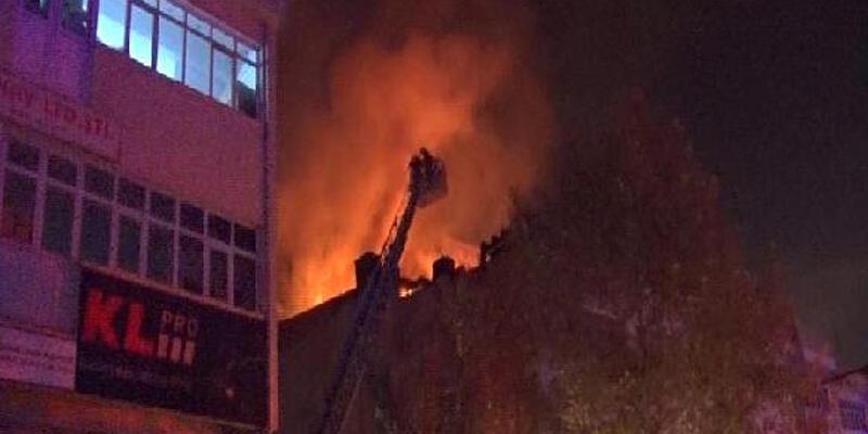 Ankara'da oto aksesuar dükkanında yangın