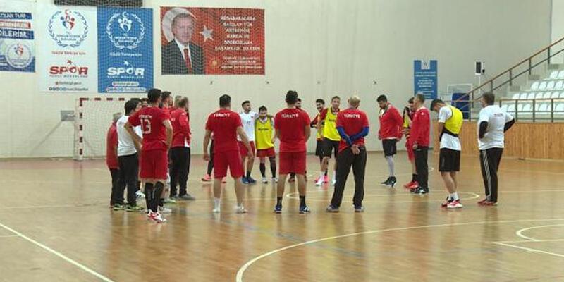 Türkiye-Slovenya hentbol maçı ertelendi!