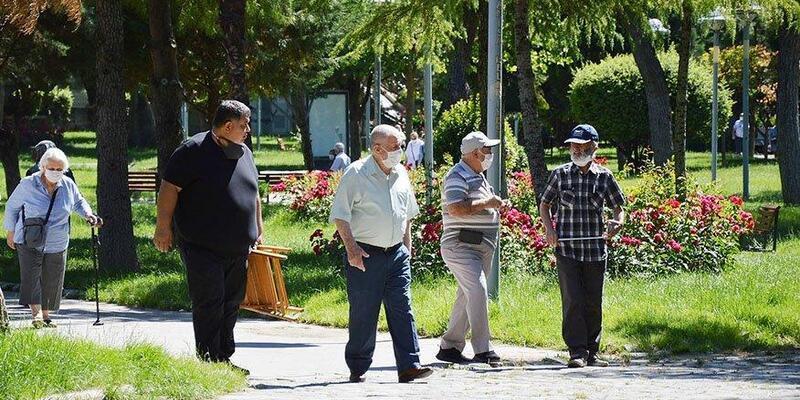 Son dakika haberi: İstanbul'da 65 yaş üstüne sokağa çıkma kısıtlaması! Hangi saatlerde yasak var?