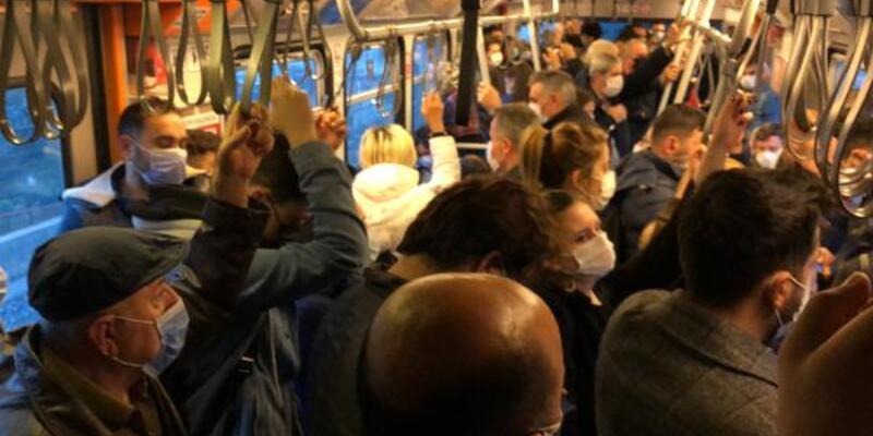 """Metroda """"sosyal mesafesiz"""" yolculuk"""