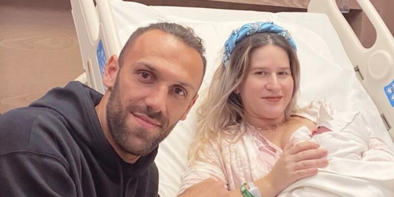 Vedat Muriç ikinci kez baba oldu