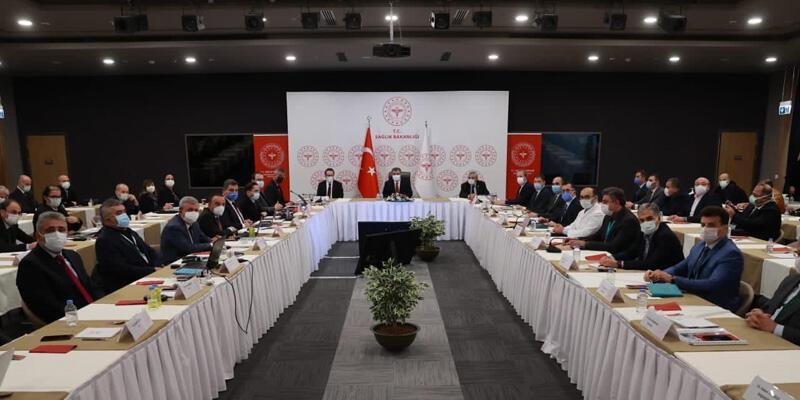 Sağlık Bakanı Koca, İstanbul'da sağlık yöneticileriyle bir araya geldi