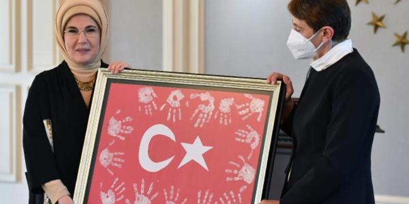 Emine Erdoğan öğretmenler ile bir araya geldi