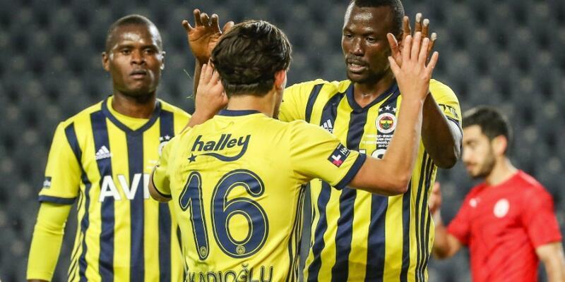 Fenerbahçe 4 golle tur atladı