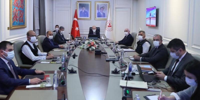 """İçişleri Bakanı Soylu başkanlığında """"Koronavirüs Değerlendirme"""" toplantısı yapıldı"""