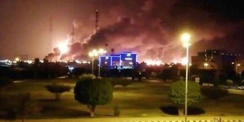 Son dakika haberi: Suudi Arabistan'ın Shuqaiq Limanı'nda patlama!