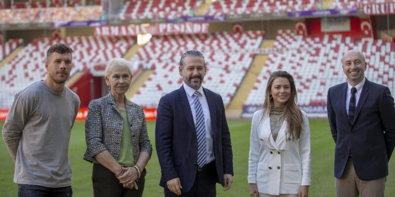 Podolski'nin yer aldığı Patara tanıtım videosunun lansmanı yapıldı
