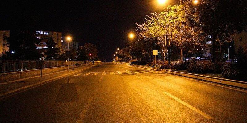 Bu akşam sokağa çıkma yasağı başlıyor mu? Bu akşam 8'den sonra yasak var mı?