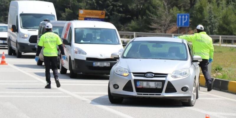 Bugün ve yarın şehirler arası seyahat yasağı var mı? Hafta sonu özel araçla şehirler arası seyahat yasak mı?