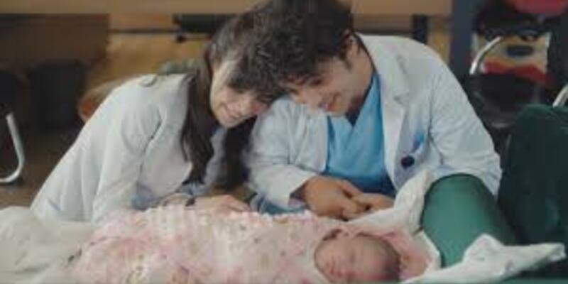 Mucize Doktor Leyla bebeğe ne oldu? Mucize Doktor Leyla bebek kimin?