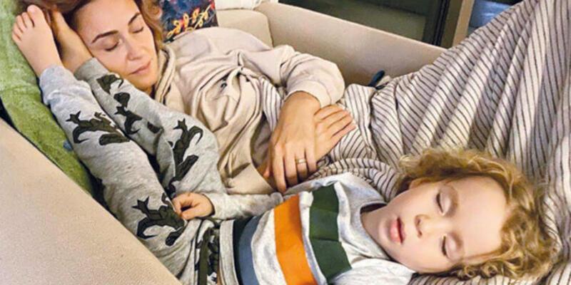 Bülent Şakrak paylaştı: Anne oğul uykuda