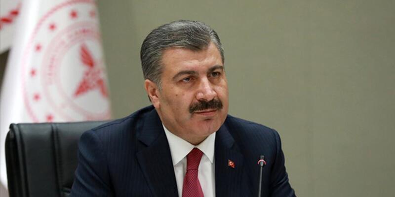 """Sağlık Bakanı Koca'dan """"virüs genç yaşlı ayırmıyor"""" uyarısı"""
