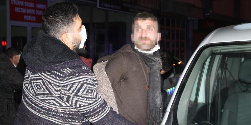 'Dur' ihtarına uymayıp kaçmaya başladılar Üzerinden 100 bin lira çıktı