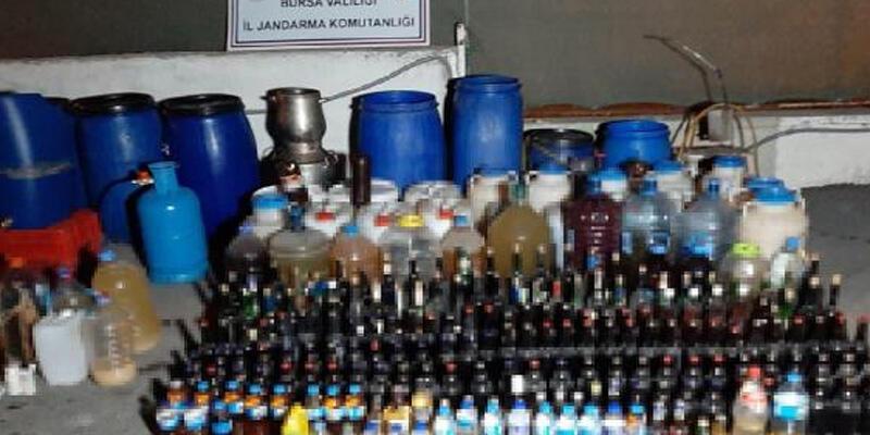 Yılbaşı öncesi 1395 litre sahte içki ele geçirildi