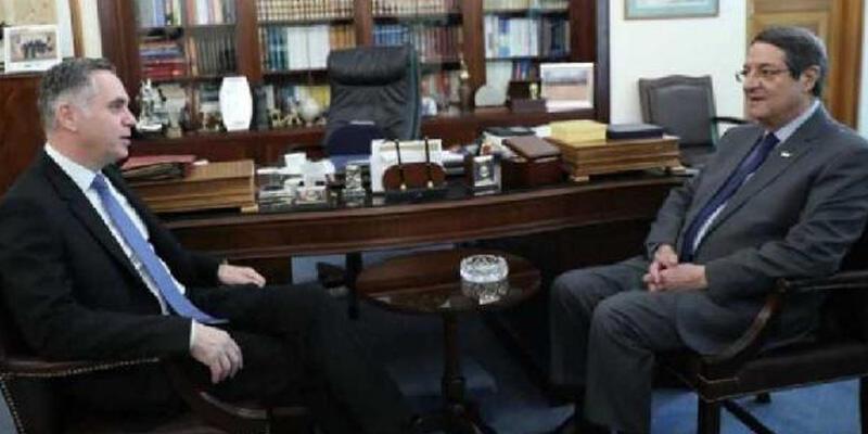 GKRY'de bütçe krizinin faturası Rum lideri Anastasiadis'e kesildi