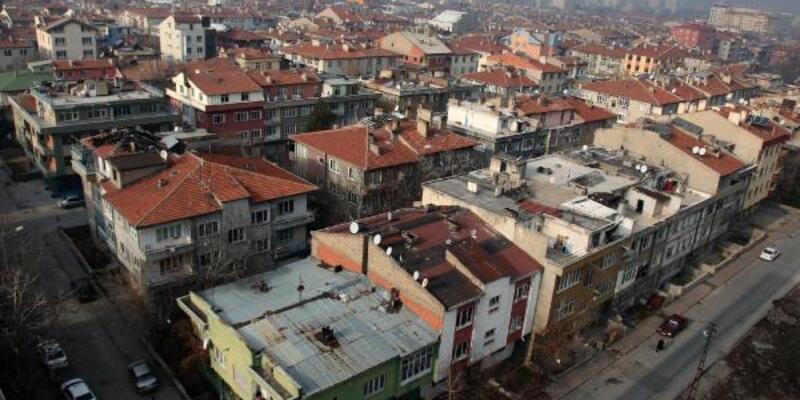 Kayseri'de koronavirüs ölümleri artıyor: Mahalle karantinada