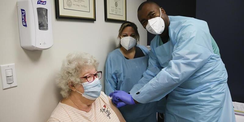 ABD'de Kovid-19 aşısı olanların sayısı 1 milyonu aştı