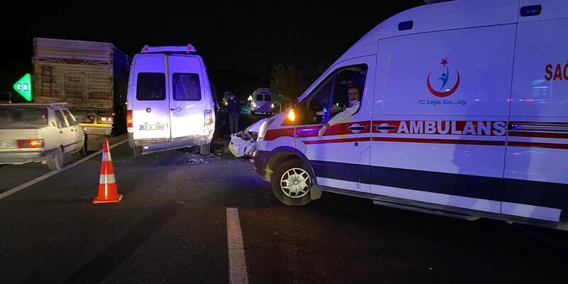 5 aracın karıştığı zincirleme kaza: Çok sayıda yaralı var