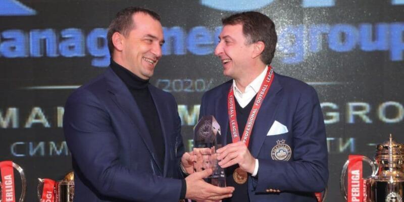 Şota Arveladze en iyi teknik direktör seçildi