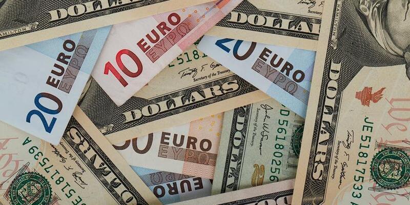 Dolar ve euroda sert düşüş: 20 Kasım'dan bu yana ilk kez 9 liranın altına geriledi