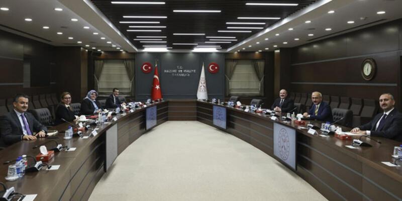 """Bakan Elvan'ın ev sahipliğinde 6 bakan """"ekonomi ve reform"""" gündemiyle bir araya geldi"""