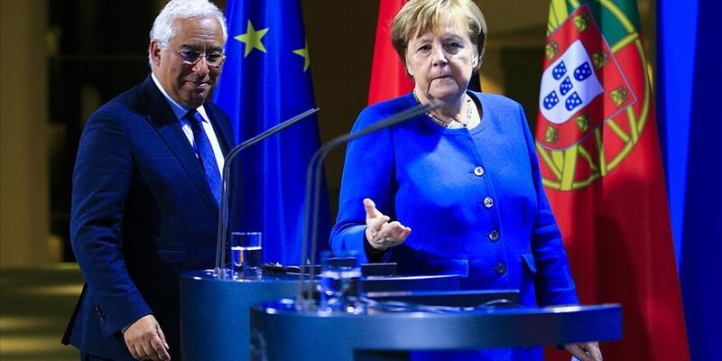 Almanya Başbakanı Merkel, AB dönem başkanlığını Portekiz Başbakanı Costa'ya devretti