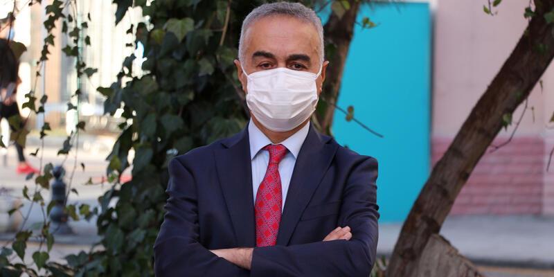 Profesörden maske mesajı