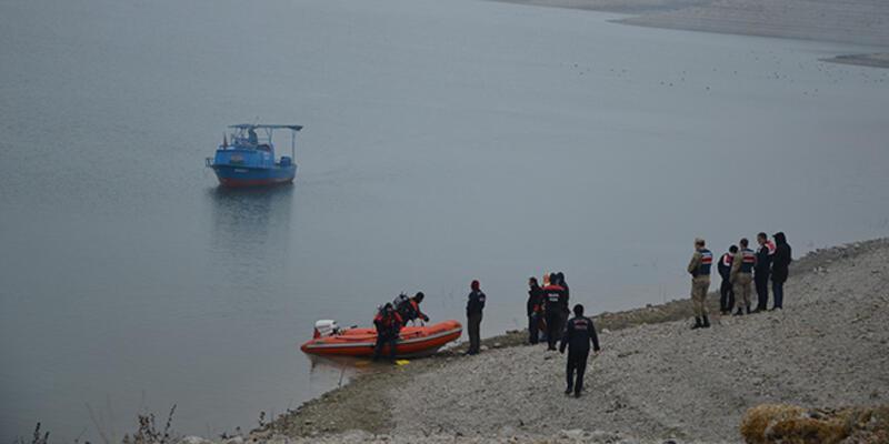 Karakaya Baraj Gölü'nde balıkçı teknesinin alabora olması sonucu bir kişi öldü