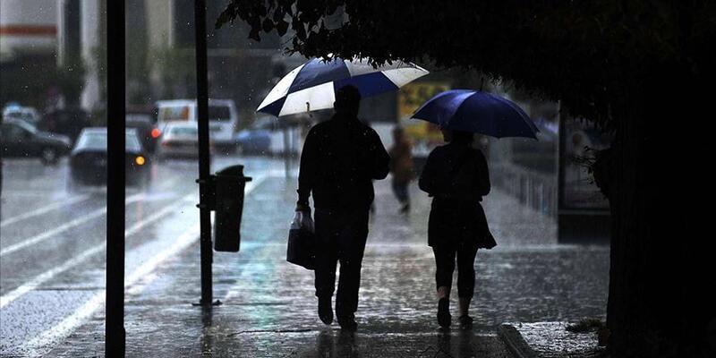 Meteoroloji'den sevindiren haber! Batıdan yağış geliyor