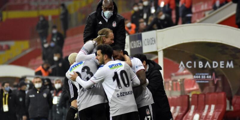Beşiktaş Kulübü saldırıya uğradı