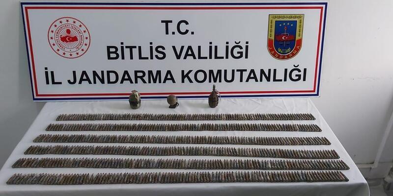 Bitlis'te PKK'lı teröristlere ait mühimmat ele geçirildi